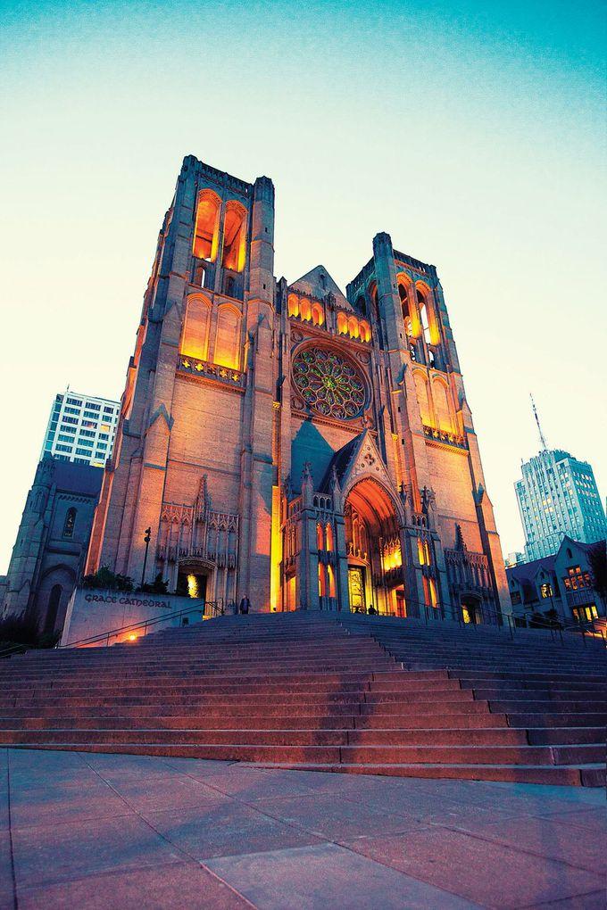 カリフォルニアストリート線で行く「グレース大聖堂」