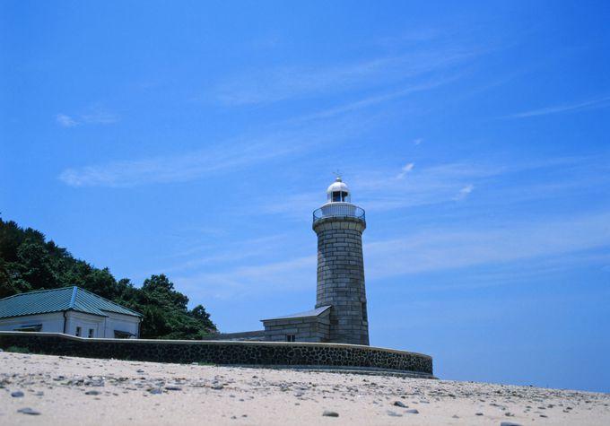 灯台と水仙の男木島