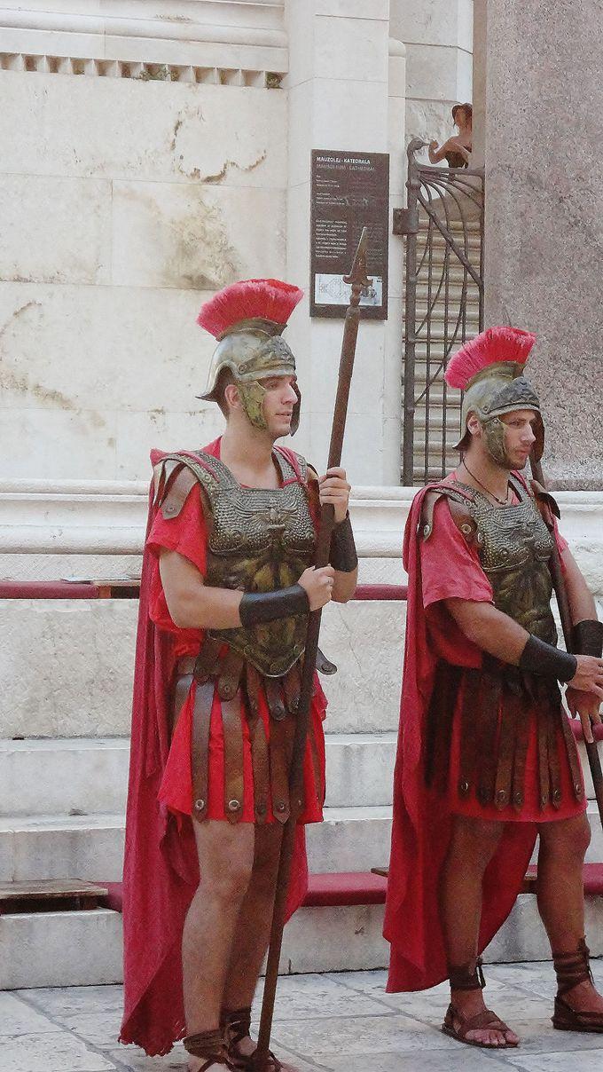 古代ローマ戦士に出会えるディオクレティアヌス宮殿