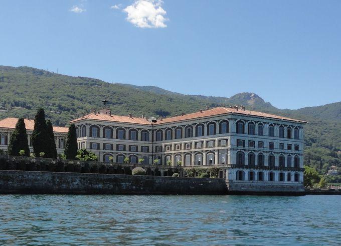 ナポレオンも泊まったベッラ島の豪華なボッロメオ宮殿