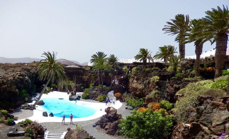 ファンタジーな洞窟空間!カナリア諸島ランサローテ島 「ハメオス・デル・アグア」