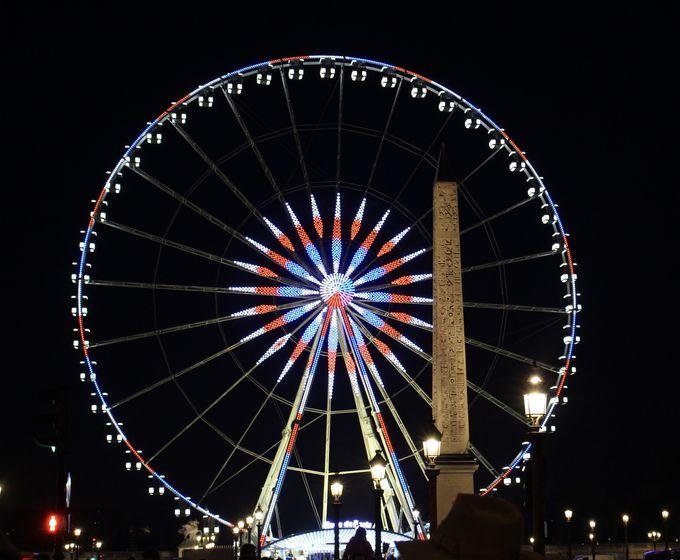 夜景を楽しめるコンコルド広場の大観覧車!