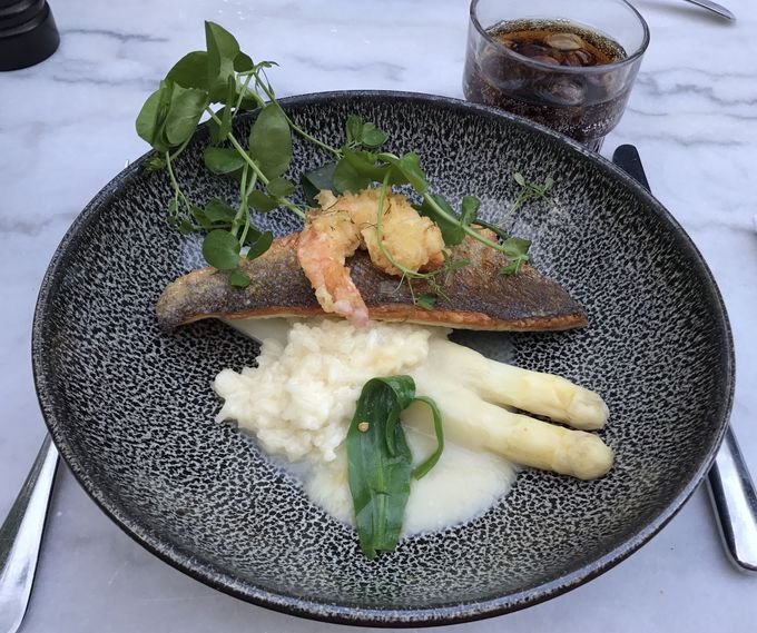 創作料理が美味しい!カジュアルなフレンチ・レストラン『LION NOIR』
