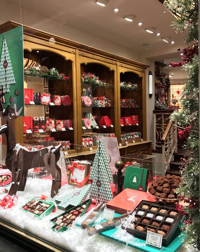 クリスマス限定品はいかが?カジュアルなチョコレート店でお土産探し!