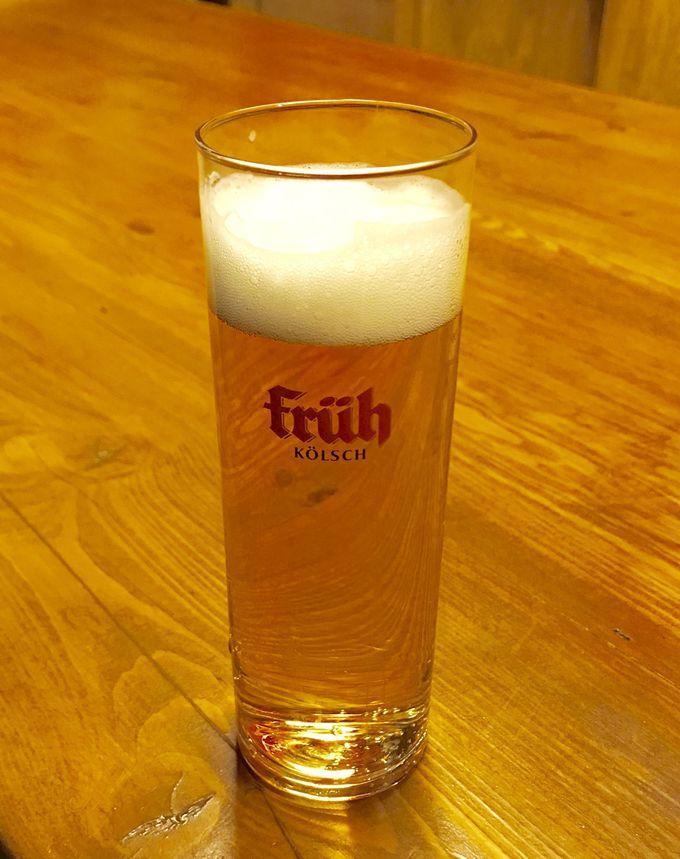 ビールで乾杯!グルメを楽しむケルンのクリスマスマーケット