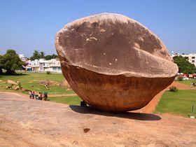 落ちない不思議!南インド「クリシュナのバターボール」