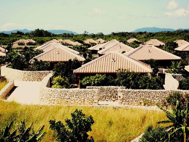 琉球ライフを満喫!「星のや竹富島」伝統文化が息づくリゾート