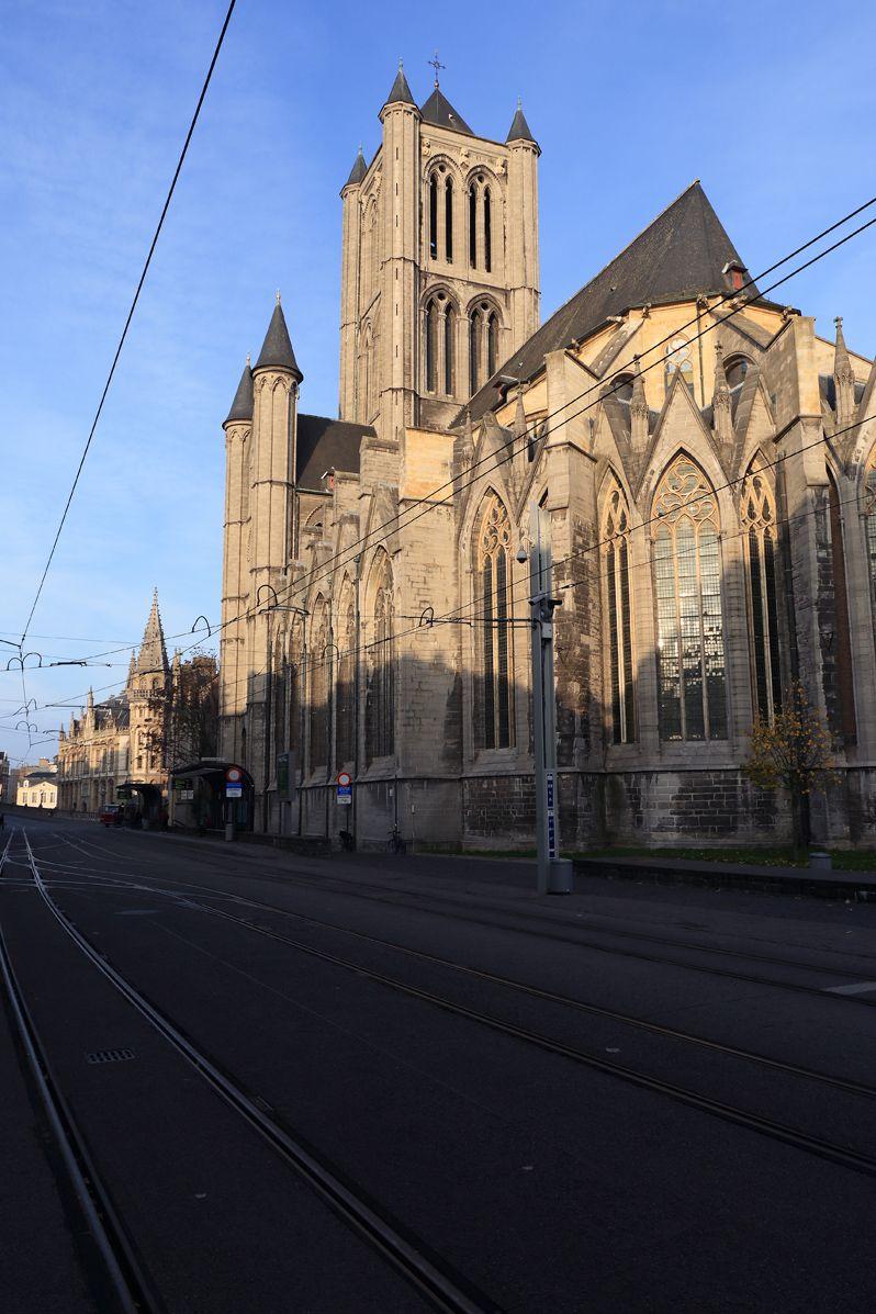 スヘルデ・ゴシック様式の最高傑作:聖ニコラス教会を見る!