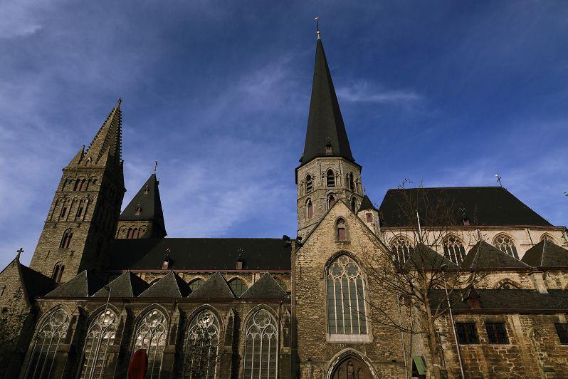 フランドル伯爵城から聖ヤコブ教会へ!