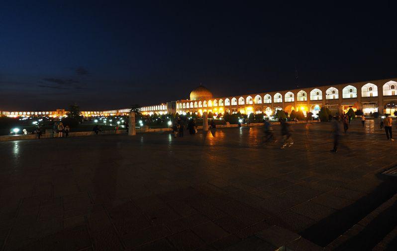 """""""世界の半分""""イラン・イスファハーンの「イマーム広場」を訪ねよう!"""