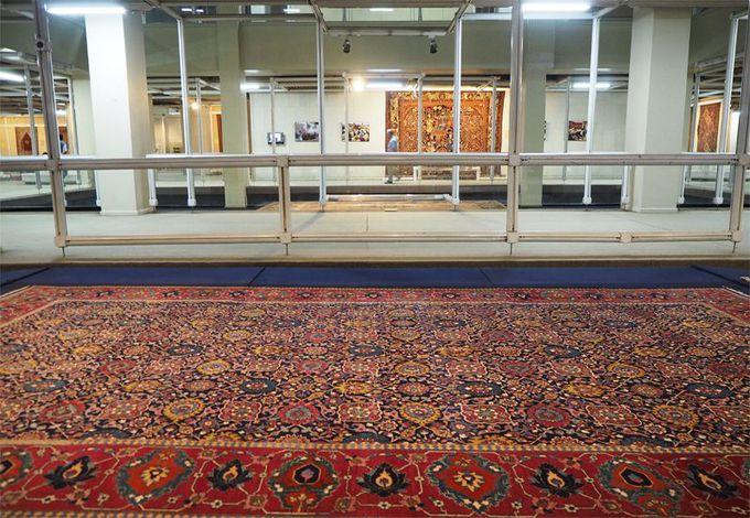絨毯博物館の内部