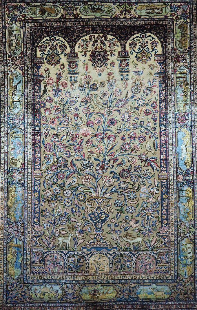 カーシャーン産の絨毯