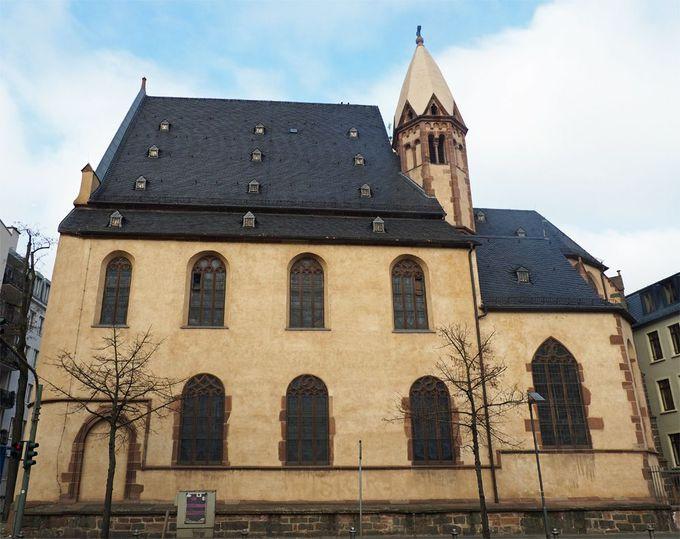 ニコライ教会はチャーミングで、聖レオンハルト教会は幽玄!