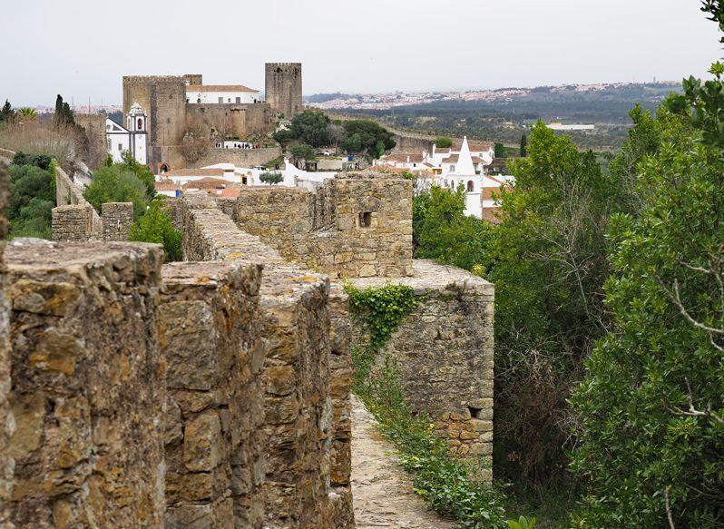オビドスの城壁に上る