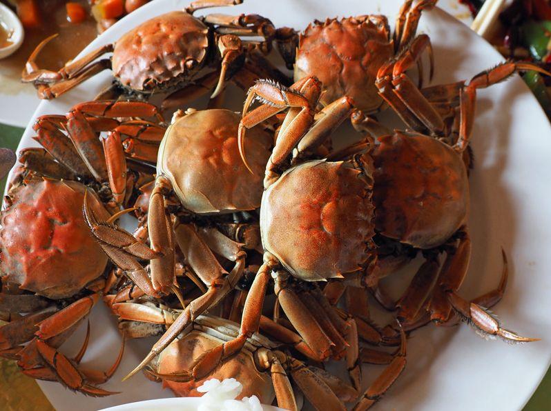 レッドビーチの盤錦蟹を食す