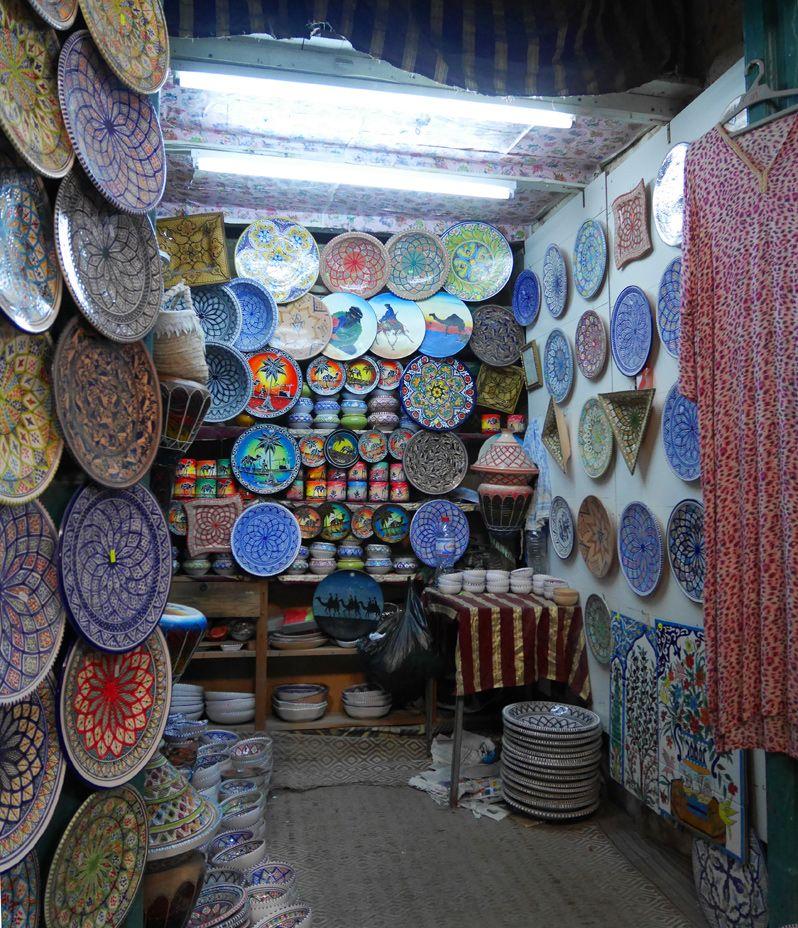 ナブールのスーク(市場)や旧市街の散策が楽しい!