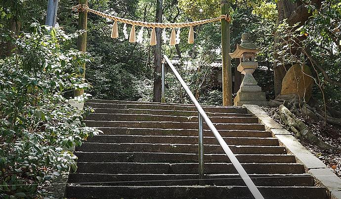 雄岳北東下山路から加守神社へ