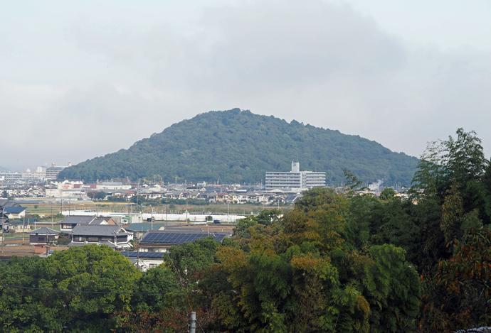 香久山に登り古代の三角関係の謎に挑もう!