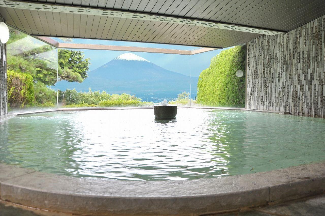 13.「眺望自慢の温泉」海も富士山も
