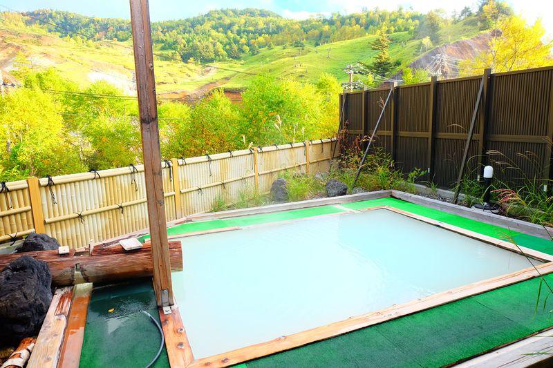 標高1800m!万座温泉の湯巡り手形で個性豊かな温泉を満喫