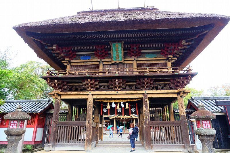 全国でも珍しい人吉様式の楼門
