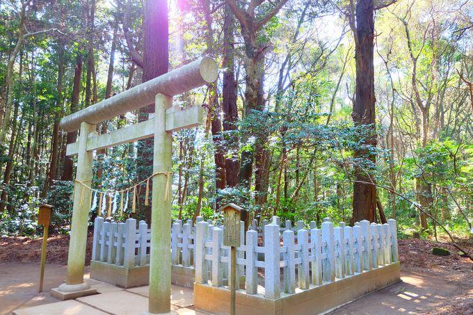鹿島神宮七不思議の1つ「要石」