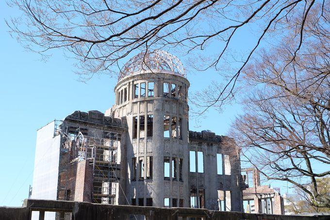 世界遺産「原爆ドーム」で平和への祈りを