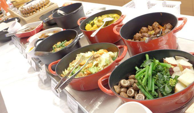 産直野菜を使った60品目以上の健康朝食ビュッフェ