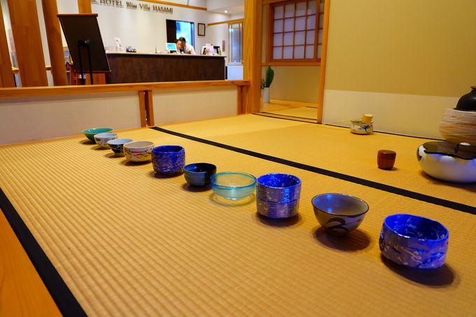 ロビーに併設された茶室でお茶体験も!