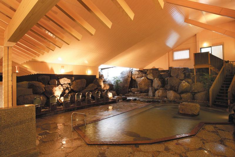 希少な天然ラドン泉!名古屋の奥座敷・猿投温泉「金泉の湯」