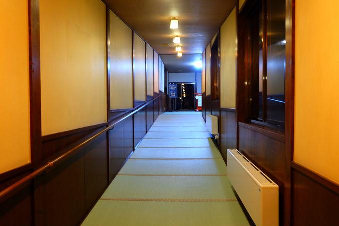 回廊で巡れる館内