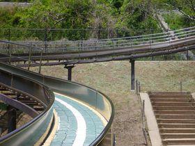 見て、触れて、遊べる無料スポット。豊川市「赤塚山公園」にお出かけしよう♪