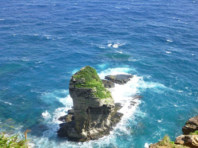 天然の造形美「立神岩」