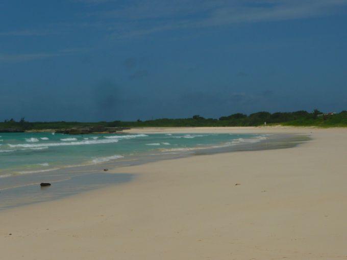 ベスト3は白い砂浜が美しいビーチ「渡口の浜」