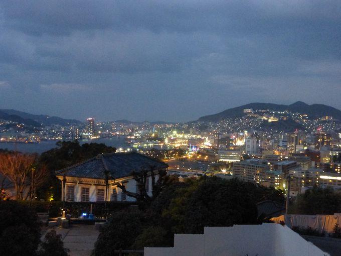 展望広場から長崎の夕暮れ時を眺めよう