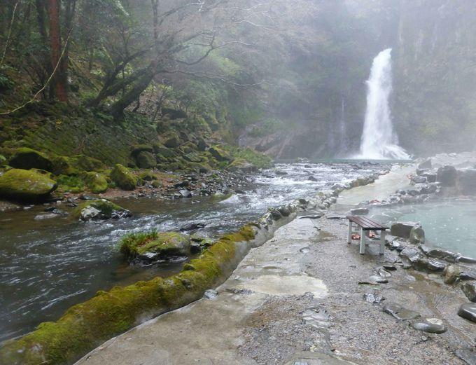 「テルマエ・ロマエ」の入浴シーンが撮られた滝見の露天風呂「河原の湯」
