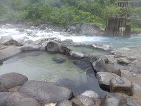 新穂高温泉「深山荘」で四季を楽しめる露天風呂を堪能しよう