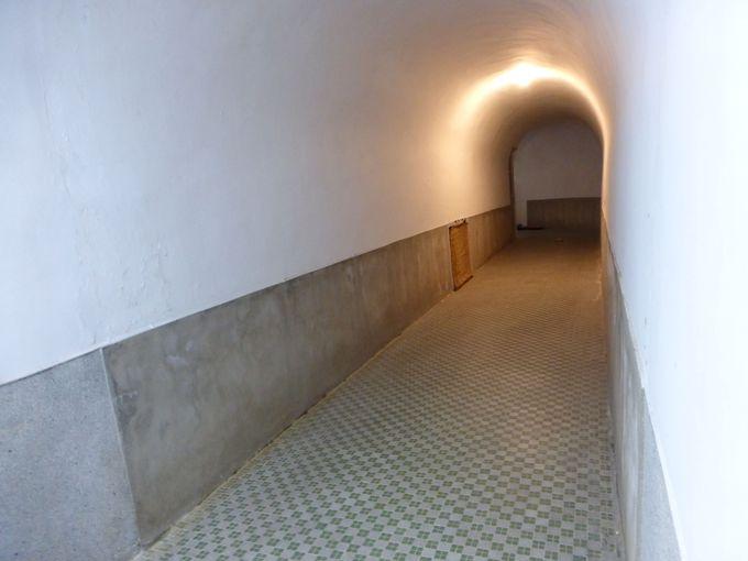 期待が高まる地下洞窟風通路