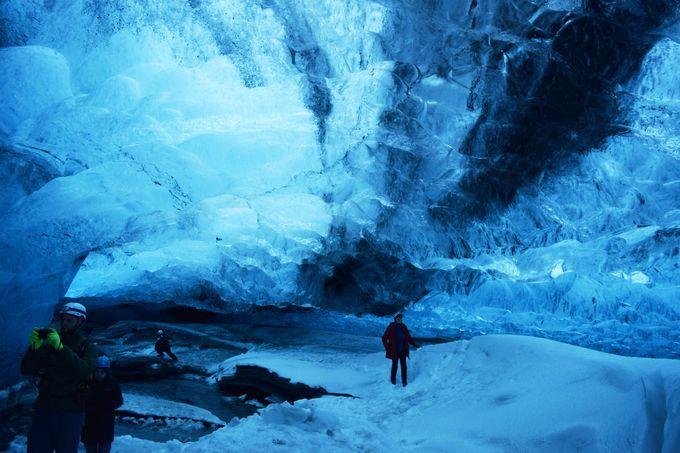 二度と同じ洞窟には入れない!変化し続ける氷河の奇跡