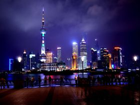 まさに近未来都市!上海摩天楼は、アジア激変の時代の象徴!