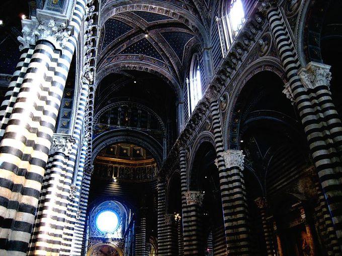 シエナ大聖堂は内部もすごい!