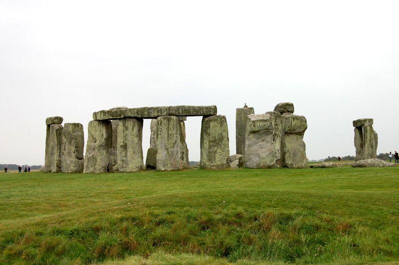 ロンドンから日帰りで!世界遺産ストーンヘンジで巨石文明の謎に触れてみる!