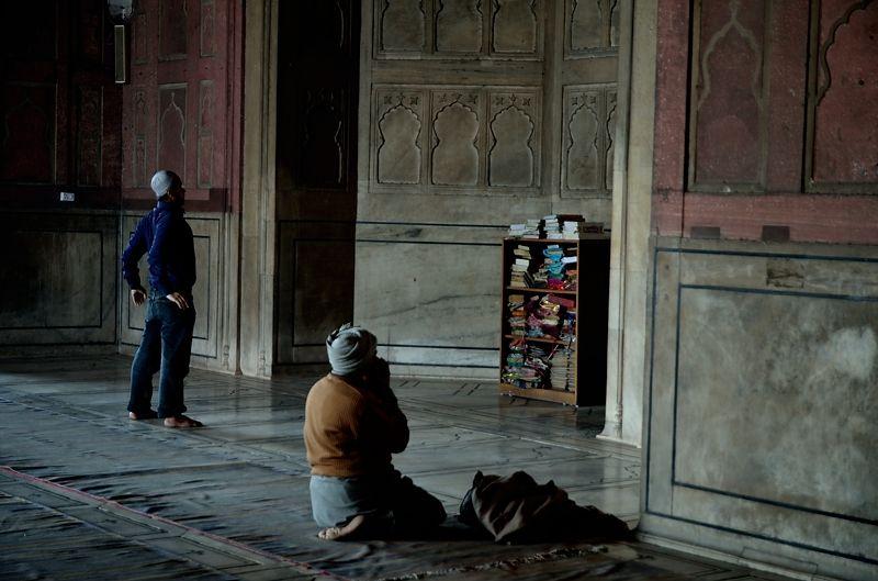 デリーの喧噪を忘れる、祈りの場