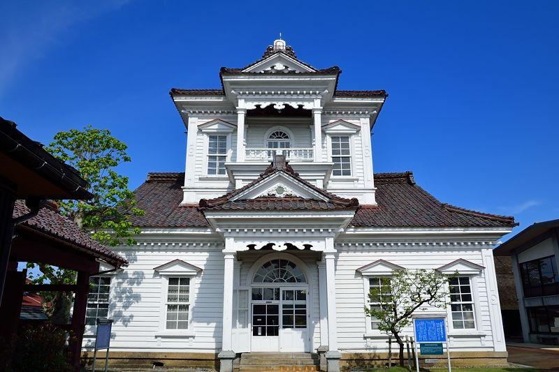 3.旧鶴岡警察署庁舎(致道博物館内)