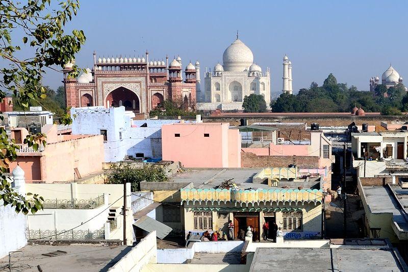 インドの生活越しに見るタージマハル