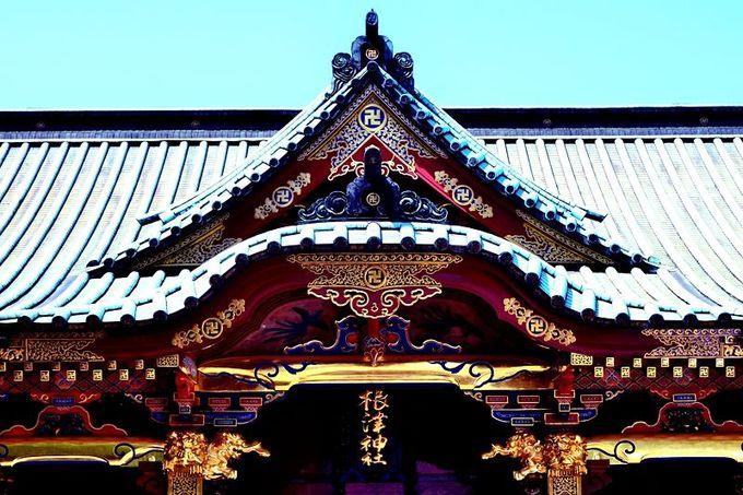 拝殿の装飾も見事