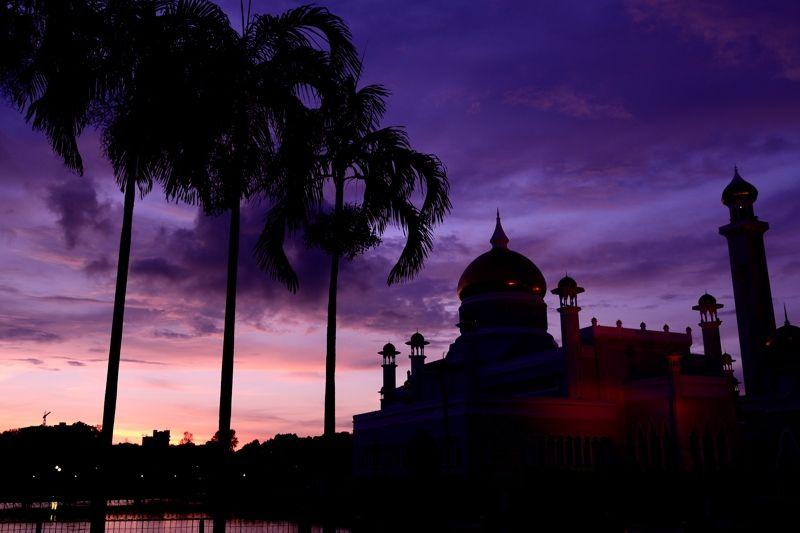 コーランの響く、イスラムの夕暮れ