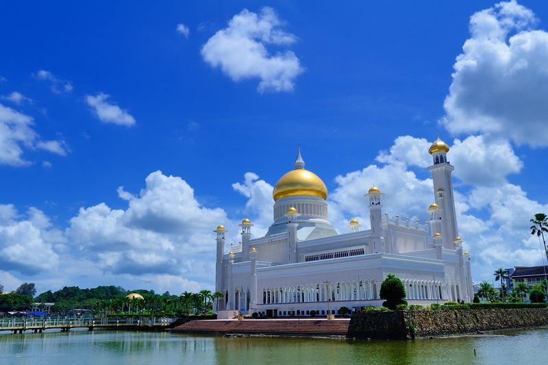 黄金のドームは、ブルネイの富の象徴