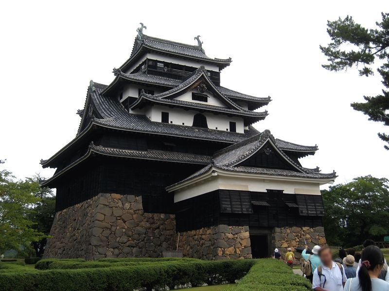 19.新国宝の天守を有する漆黒の名城「松江城」
