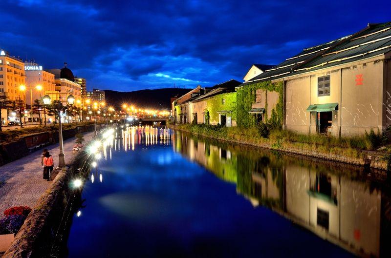 7.「小樽運河」クルーズでロマンチックな旅の夜を
